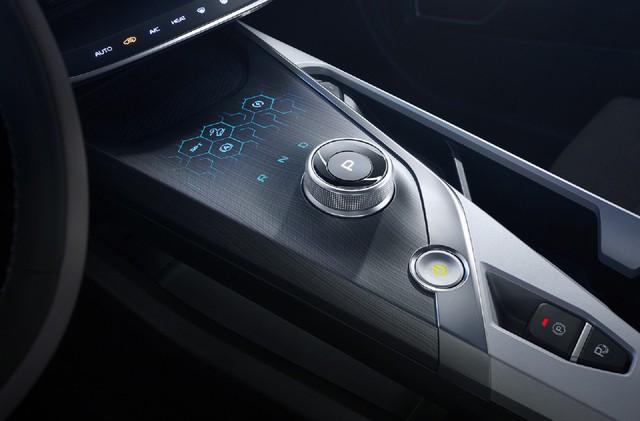 Xe sang giá phổ thông Trung Quốc mang chất Volvo lộ diện khiến nhiều người trầm trồ về độ sang xịn - Ảnh 9.