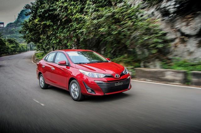 Mất ngôi vương, Toyota Việt Nam giảm giá hàng loạt xe lắp ráp - Ảnh 1.