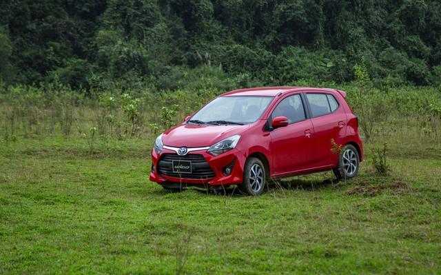 Mất ngôi vương, Toyota Việt Nam giảm giá hàng loạt xe lắp ráp - Ảnh 2.