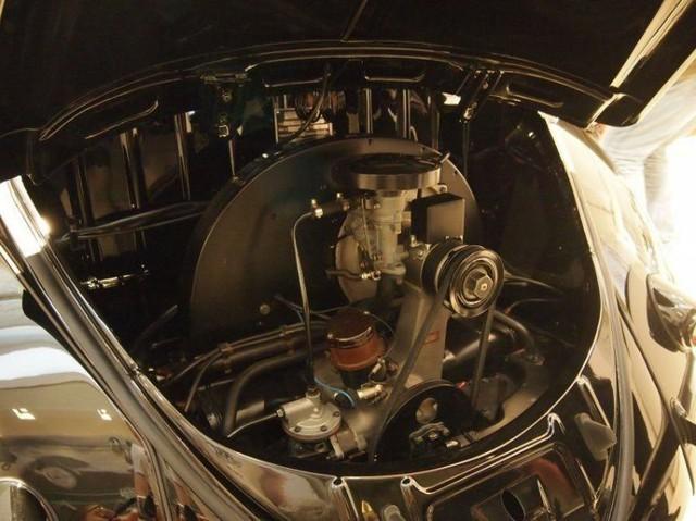 Volkswagen Beetle lâu đời nhất thế giới bị thiêu rụi hoàn toàn nhưng được phục chế đẹp như mới - Ảnh 13.