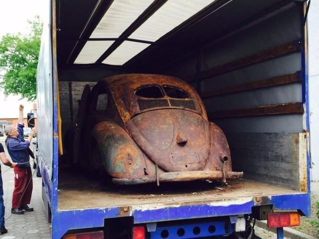 Volkswagen Beetle lâu đời nhất thế giới bị thiêu rụi hoàn toàn nhưng được phục chế đẹp như mới - Ảnh 4.