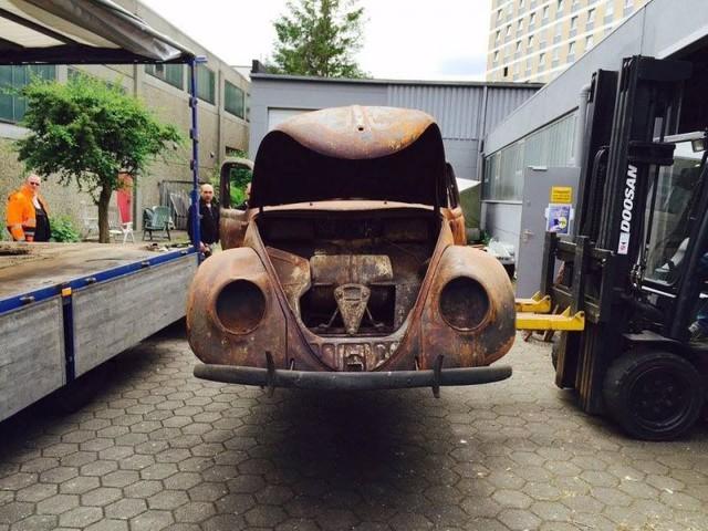 Volkswagen Beetle lâu đời nhất thế giới bị thiêu rụi hoàn toàn nhưng được phục chế đẹp như mới - Ảnh 3.