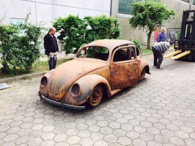 Volkswagen Beetle lâu đời nhất thế giới bị thiêu rụi hoàn toàn nhưng được phục chế đẹp như mới - Ảnh 2.
