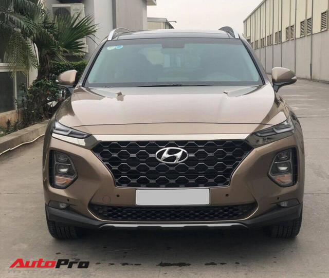 Tâm sự của người phụ nữ vừa mua chiếc Hyundai Santa Fe 2019 sau thời gian dài chờ đợi tình trạng bia kèm lạc hạ nhiệt - Ảnh 1.