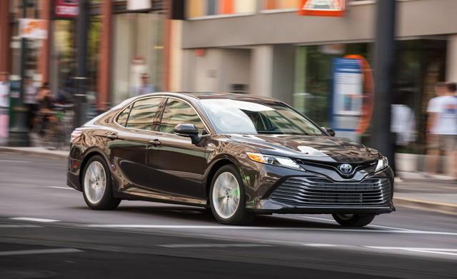Đánh giá Toyota Camry 2019 sắp bán tại Việt Nam - Lý do đợi chờ hơn 10 năm là đây - Ảnh 1.