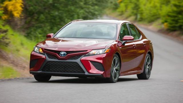 Đánh giá Toyota Camry 2019 sắp bán tại Việt Nam - Lý do đợi chờ hơn 10 năm là đây