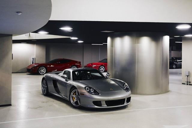 Khám phá cuộc sống xa hoa bên trong tòa nhà Porsche Design Tower ở bãi biển Miami - Ảnh 2.