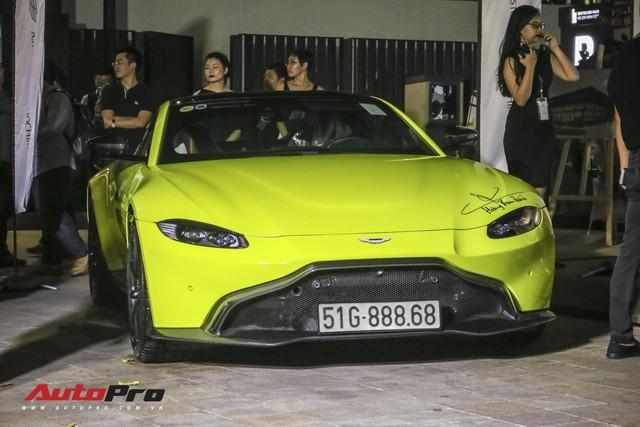 Aston Martin V8 Vantage giá 15 tỷ đồng của đại gia ngành làm đẹp ra biển số khủng - Ảnh 1.