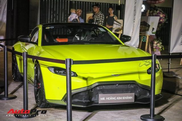 Aston Martin V8 Vantage giá 15 tỷ đồng của đại gia ngành làm đẹp ra biển số khủng - Ảnh 3.