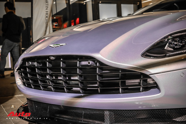 Cận cảnh Aston Martin DB11 V8 của đại gia Vũng Tàu, sở hữu tùy chọn có giá 200 triệu đồng - Ảnh 3.
