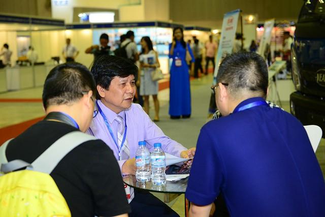 Ngành công nghiệp phụ trợ trong nước đặt nhiều sự quan tâm hơn tới ô tô Made in Việt Nam - Ảnh 1.