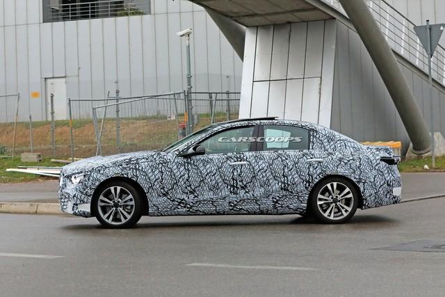 Mercedes-Benz C-Class thế hệ mới lần đầu tung video chạy thử, phản đòn BMW 3-Series - Ảnh 3.