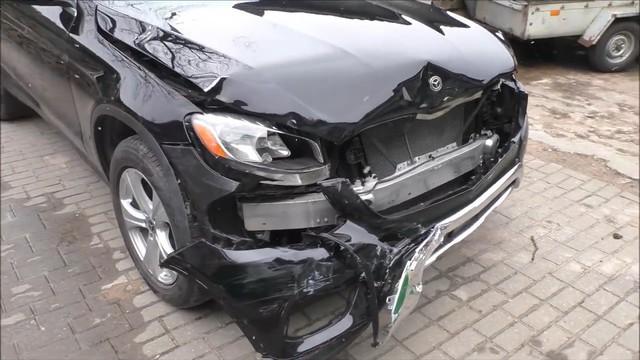 Mercedes GLC nát đầu và đây là cách sửa 'nhẹ nhàng' khiến xe đẹp như mới