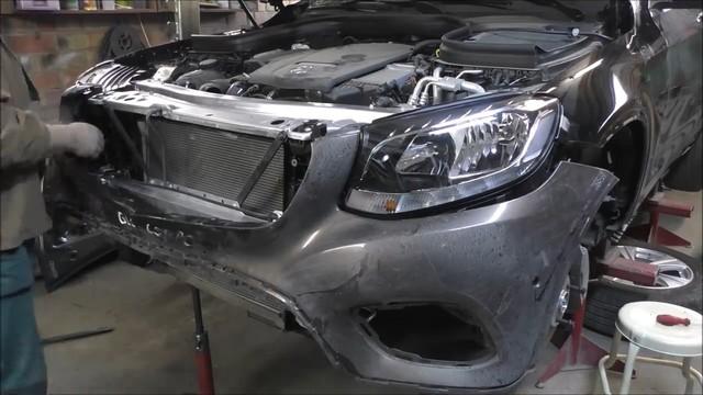 Mercedes GLC nát đầu và đây là cách sửa nhẹ nhàng khiến xe đẹp như mới - Ảnh 2.