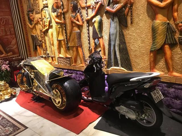 Đại gia vàng Phúc XO bán 3 xe máy biển ngũ quý bạc tỷ nhưng mục đích bán khiến người khác bất ngờ - Ảnh 2.