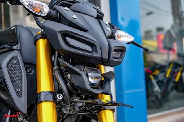 Cận cảnh Yamaha MT-15 giá 79 triệu đồng đầu tiên về Việt Nam - Hàng hot cho giới trẻ - Ảnh 3.