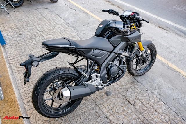 Cận cảnh Yamaha MT-15 giá 79 triệu đồng đầu tiên về Việt Nam - Hàng hot cho giới trẻ - Ảnh 9.