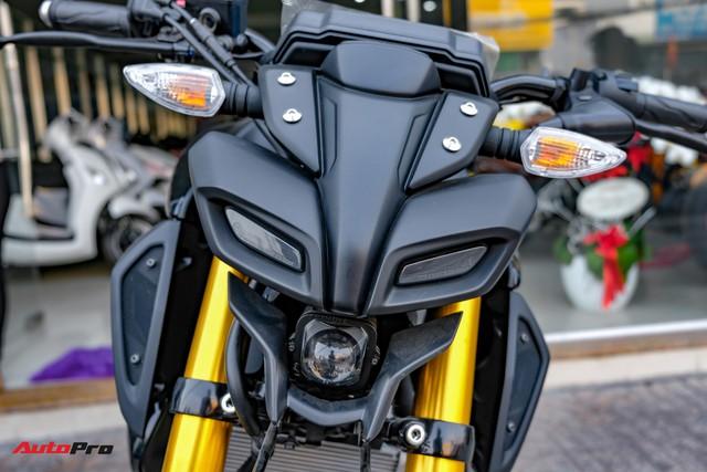 Cận cảnh Yamaha MT-15 giá 79 triệu đồng đầu tiên về Việt Nam - Hàng hot cho giới trẻ - Ảnh 2.