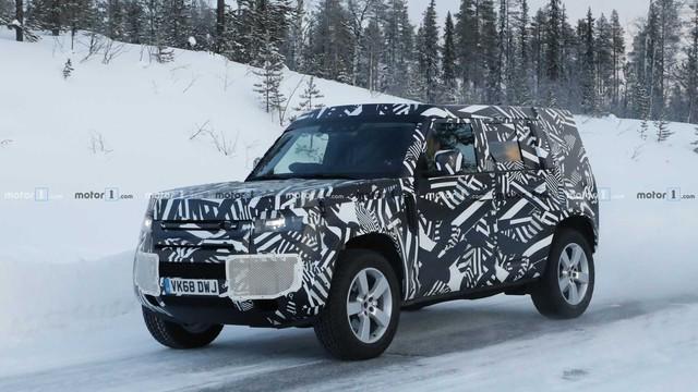 Land Rover Defender bản 2 cửa lộ diện: Anh trai của Suzuki Jimny? - Ảnh 2.