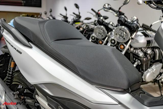 Lô hàng Honda Forza 300 nhập Ý đầu tiên về Việt Nam giá 360 triệu đồng, đã có 9 người đặt mua - Ảnh 9.