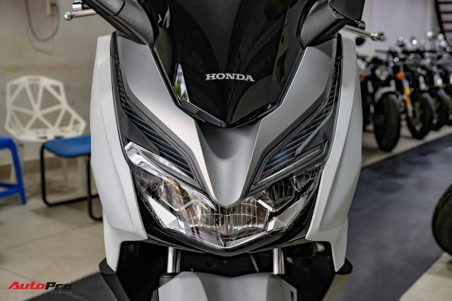 Lô hàng Honda Forza 300 nhập Ý đầu tiên về Việt Nam giá 360 triệu đồng, đã có 9 người đặt mua - Ảnh 2.