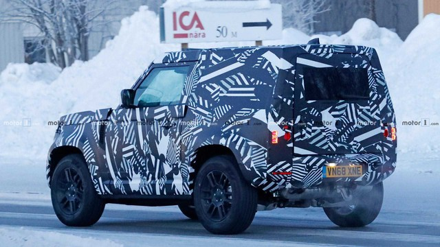 Land Rover Defender bản 2 cửa lộ diện: Anh trai của Suzuki Jimny? - Ảnh 4.