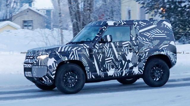 Land Rover Defender bản 2 cửa lộ diện: Anh trai của Suzuki Jimny? - Ảnh 3.
