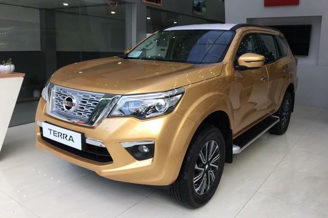 Nissan Terra lần đầu giảm giá niêm yết, thêm cạnh tranh bộ đôi Toyota Fortuner và Ford Everest đang 'làm mưa làm gió' - Ảnh 2.