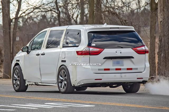 Toyota Sienna thế hệ mới lộ diện dài, rộng hơn - Tham vọng đàn áp Honda Odyssey - Ảnh 3.