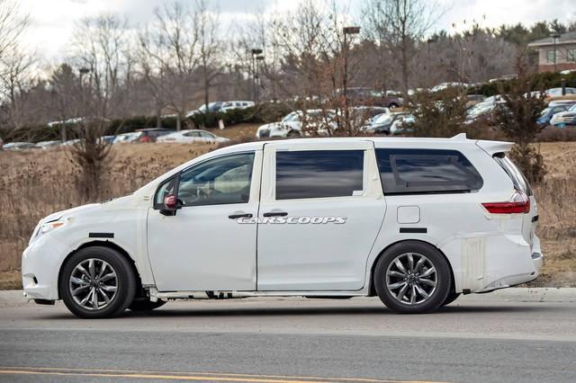 Toyota Sienna thế hệ mới lộ diện dài, rộng hơn - Tham vọng đàn áp Honda Odyssey - Ảnh 2.
