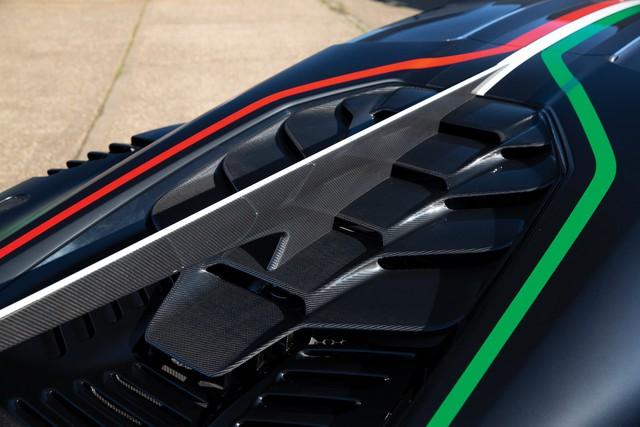 Xe siêu hiếm của hãng thiết kế xe cho VinFast được rao bán với giá 1,7 triệu USD - Ảnh 5.