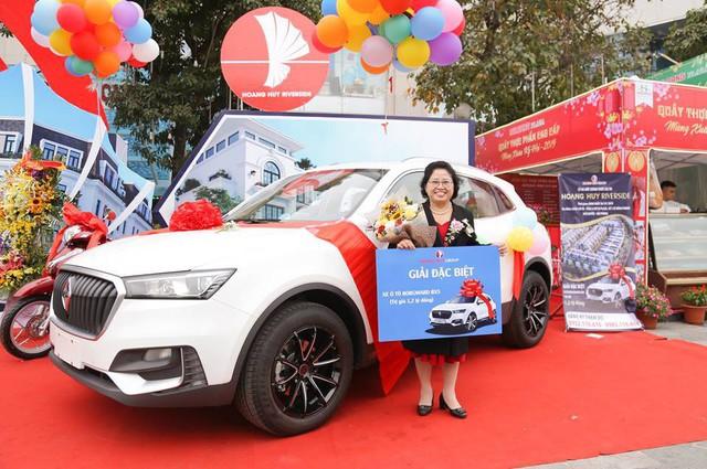 Được tặng SUV 1,2 tỷ siêu độc tại Việt Nam, chủ xe bán ngay với giá 800 triệu đồng nhưng ít ai biết về xế hộp này - Ảnh 1.