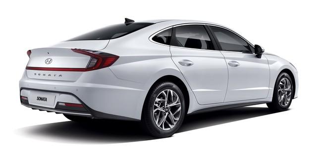 Người dùng trên tay nhanh Hyundai Sonata 2020 vừa ra mắt - Đối thủ tầm cỡ của Toyota Camry thế hệ mới - Ảnh 4.