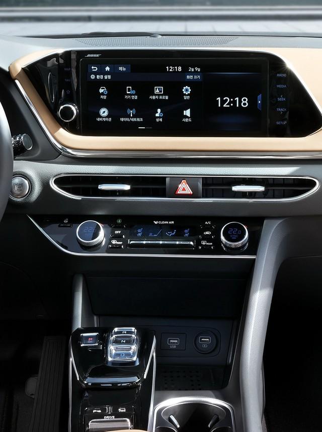 Người dùng trên tay nhanh Hyundai Sonata 2020 vừa ra mắt - Đối thủ tầm cỡ của Toyota Camry thế hệ mới - Ảnh 21.