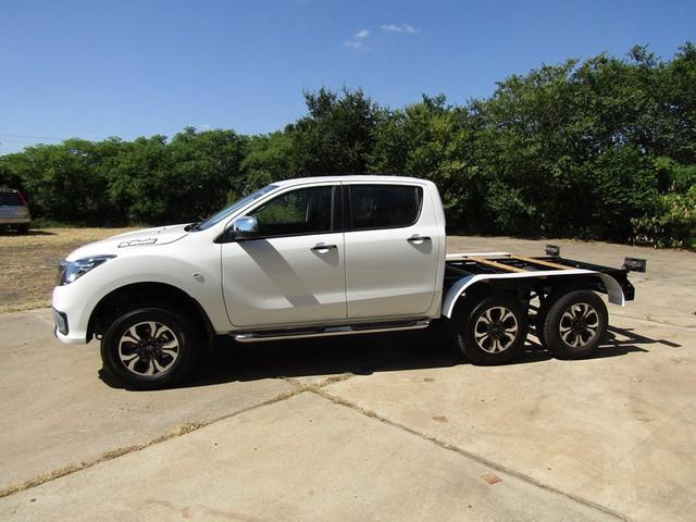 Dân chơi độ xe bán tải 6 bánh: Từ Ford Ranger, Toyota Hilux đến Mazda BT-50... đều được hô biến - Ảnh 8.