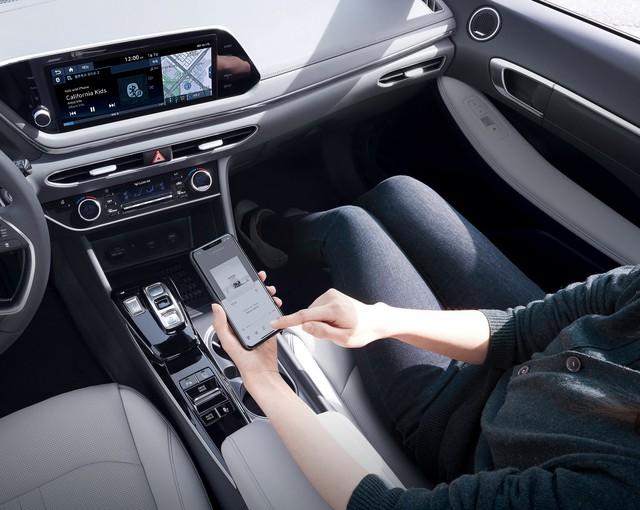 Người dùng trên tay nhanh Hyundai Sonata 2020 vừa ra mắt - Đối thủ tầm cỡ của Toyota Camry thế hệ mới - Ảnh 17.