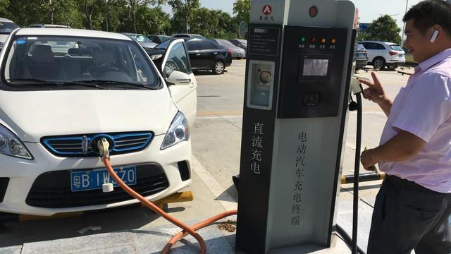 Trung Quốc đi trước đón đầu xu thế xe điện và những hệ lụy tất yếu kèm theo - Ảnh 2.