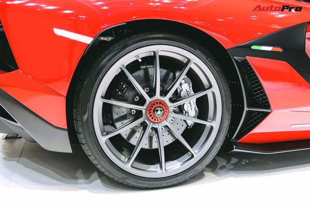 Lamborghini Aventador SVJ chính thức chào ĐNÁ - Lời ngỏ tới đại gia Việt - Ảnh 9.