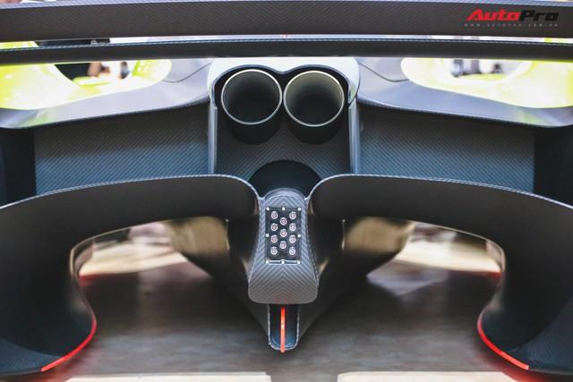 Trên tay Aston Martin Valkyrie AMR Pro 1.100 mã lực - Xứng đáng siêu phẩm - Ảnh 14.