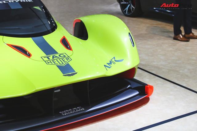 Trên tay Aston Martin Valkyrie AMR Pro 1.100 mã lực - Xứng đáng siêu phẩm - Ảnh 8.