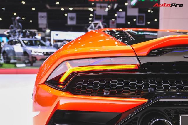 Lamborghini Huracan Evo khoe dáng Thái Lan, thu hút đại gia Việt - Ảnh 11.