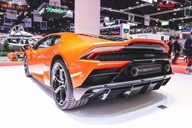 Lamborghini Huracan Evo khoe dáng Thái Lan, thu hút đại gia Việt - Ảnh 9.