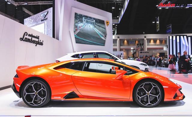 Lamborghini Huracan Evo khoe dáng Thái Lan, thu hút đại gia Việt - Ảnh 2.