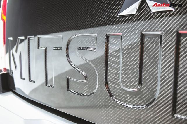 Cận cảnh Mitsubishi Triton Absolute Concept đối đầu Ford Ranger Raptor - Ảnh 10.