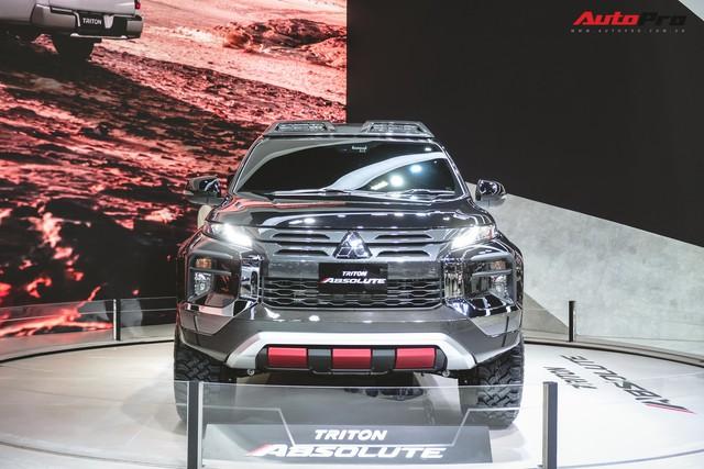 Cận cảnh Mitsubishi Triton Absolute Concept đối đầu Ford Ranger Raptor - Ảnh 2.