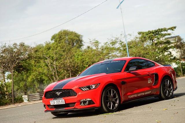 5 năm tuổi, Ford Mustang hạ giá chỉ hơn 1,7 tỷ đồng - Ảnh 1.