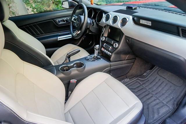 5 năm tuổi, Ford Mustang hạ giá chỉ hơn 1,7 tỷ đồng - Ảnh 6.