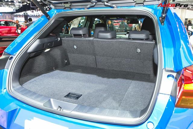 Soi kỹ Lexus UX - SUV sang chờ ngày về Việt Nam, đấu BMW X1 - Ảnh 15.