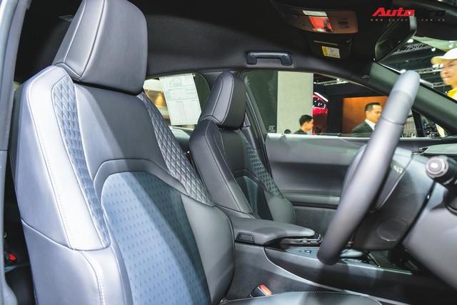 Soi kỹ Lexus UX - SUV sang chờ ngày về Việt Nam, đấu BMW X1 - Ảnh 12.