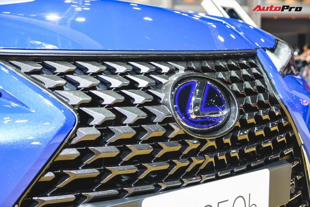 Soi kỹ Lexus UX - SUV sang chờ ngày về Việt Nam, đấu BMW X1 - Ảnh 7.